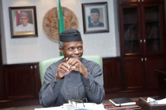 [PHOTO NEWS] Vice President Prof.Yemi Osinbajo moves into his Aso Rock office