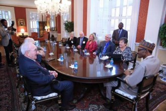 [PHOTO NEWS] Buhari meets with his former colleagues at the U.S. War college