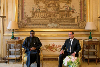 [PHOTO NEWS] President Buhari meets French President Francoise Hollande
