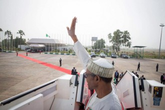 [PHOTOS] Buhari ignores pressing Nigerian issues,departs Abuja for South Africa