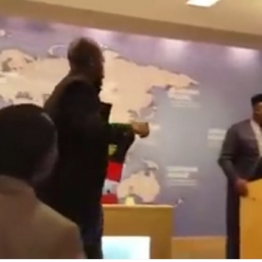 """[VIDEO] Gov. Rochas #Okorocha """"humiliated"""" By #Biafra Supporter At #Chatham House In London."""