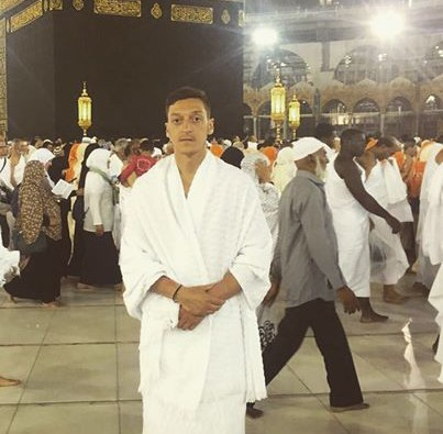 """Özil's Mecca visit """"unpatriotic"""" -Anti Foreigners Party in Germany AfD"""