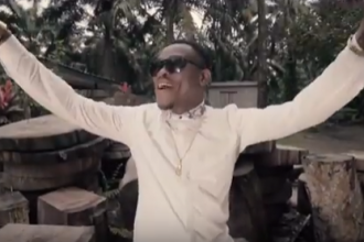 [MUSIC VIDEO] Mr. White – Egwu