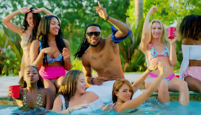 [MUSIC VIDEO] DJ Derekz ft Flavour & CDQ – Roll Up