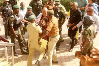 [PHOTO NEWS] #IPOB leader Nnamdi Kanu rejects Prison warders Instruction of Back Door Entry into Court