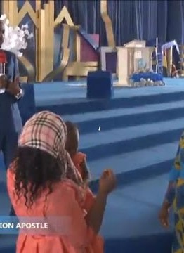 The mother and Sister of Stephanie Otobo today stormed Omega Fire Ministries in Auchi to beg Apostle Suleman during today's service.