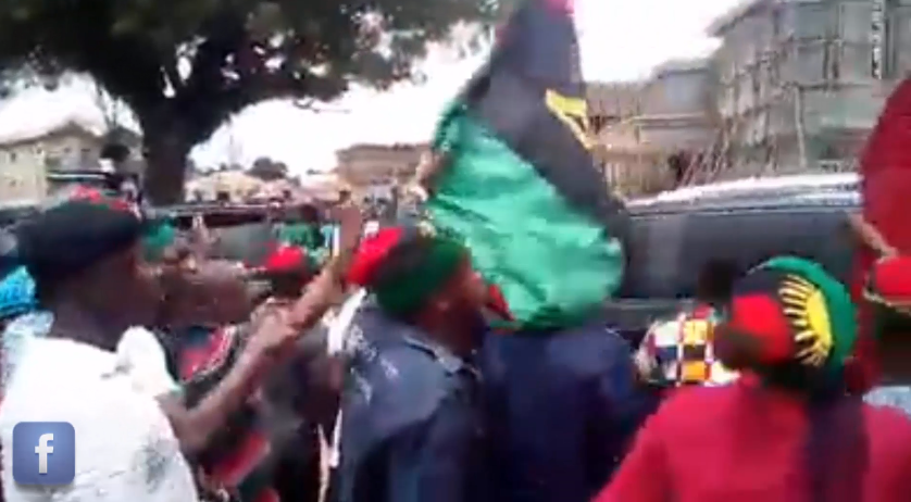 [VIDEO] #IPOB Members humilate Gov Obiano during Church Service at St Joseph Catholic Church Ekwulobia