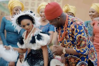 [MUSIC VIDEO] Zoro feat. Chidinma – Oyoko
