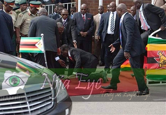 Mugabe slumps at Harare Airport (PHOTOS)