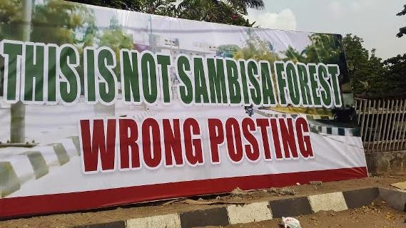 APC Leader Bola Tinubu Protests Army Presence with a BANNER (PHOTO)