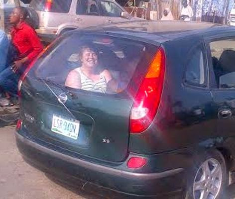 White woman seen in the boot of a car in Lagos