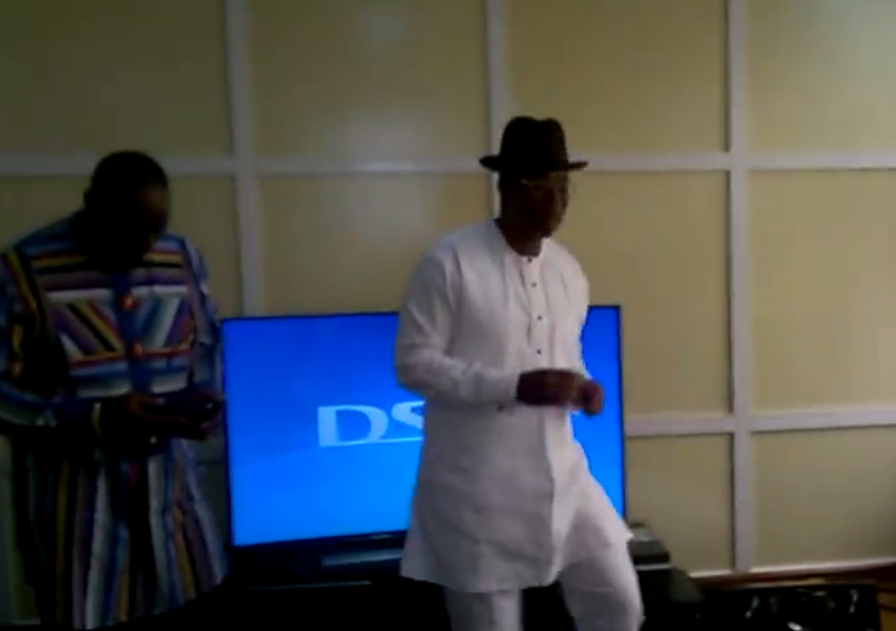 [VIDEO] Timipre Sylva dances AZONTO as Federal High Court Dismisses All EFCC Cases Against