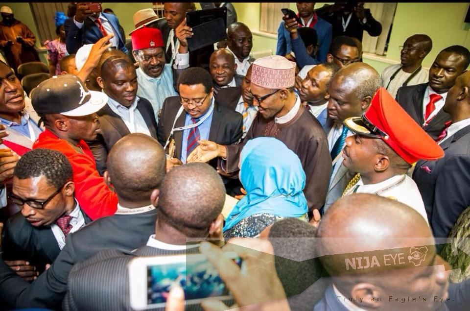[PHOTO NEWS] President Buhari meets with the Nigerian Community in South Africa