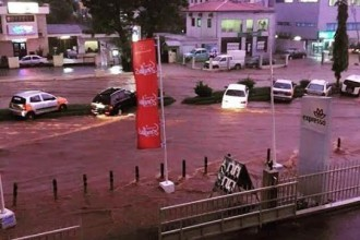 [PHOTO NEWS] Disaster rocks Ghana,Flood in Accra & 78 killed at fuel station (GRAPHICS PHOTOS)