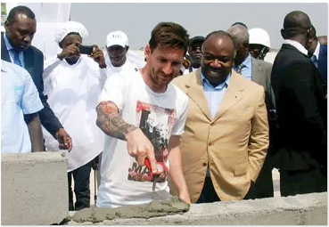 [PHOTO NEWS] Messi storms Gabon to lays first stone of 2017 African Cup venue