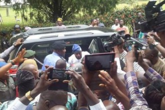 [BREAKING] Olu Falae Regains Freedom (PHOTO)