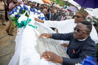 [PHOTO NEWS] Buhari Attends Ground Breaking Ceremony of 260Km Super Highway Double Carrier Road From Calabar To Northern Nigeria