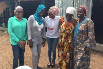 [PHOTO NEWS] Zahra Buhari visits IDP camp