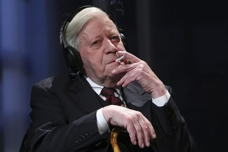 Former German Chancellor Helmut Schmidt's life hangs in balance
