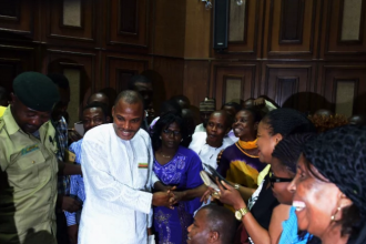 [PHOTO NEWS] [PHOTO NEWS] Nnamdi #Kanu all smiles today in court-#IPOB #BIAFRA