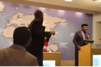 "[VIDEO] Gov. Rochas #Okorocha ""humiliated"" By #Biafra Supporter At #Chatham House In London."