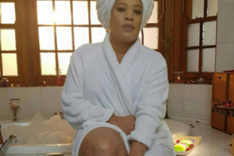 [PHOTO NEWS] Nollywood Actress Monalisa Chinda in bathrobe
