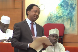 [VIDEO] Buhari uses deodorants to fight corruption in Presidency while using Insecticides for others– Sen.Shehu Sani