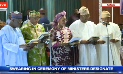 #Buhari swears in ministers