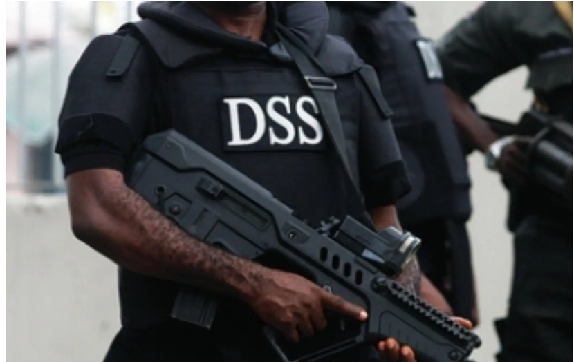 [BREAKING] #DSS arrests mastermind of attack on #Nasarawa Deputy Gov, recovers 50 AK-47 rifles
